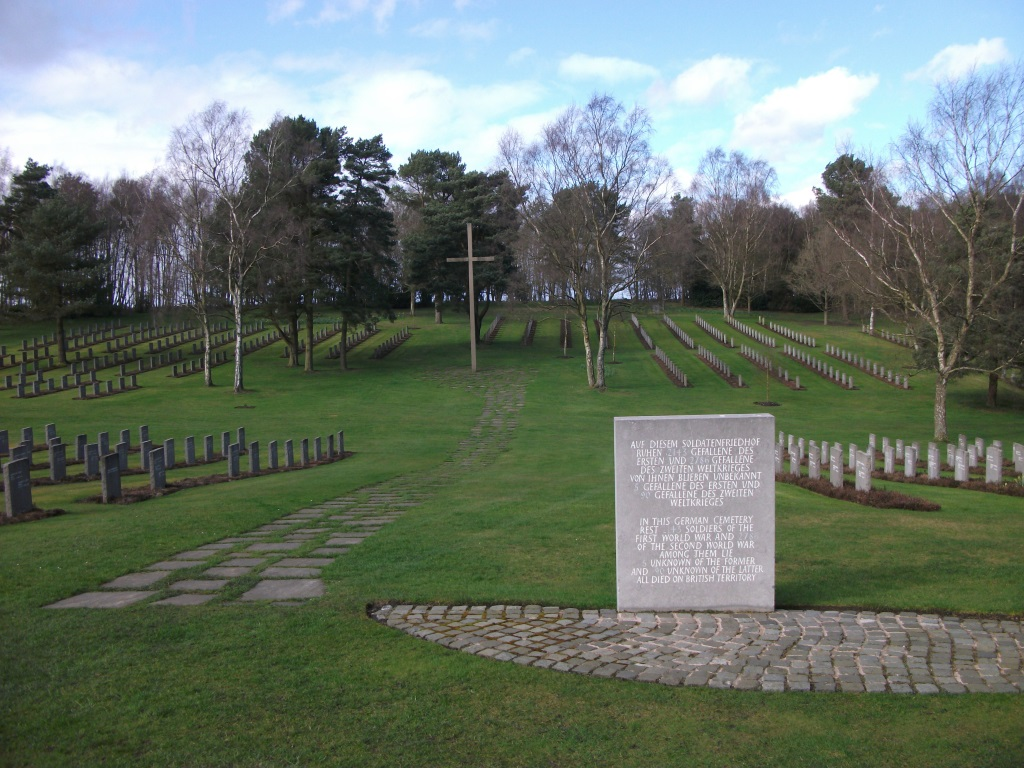 CANNOCK CHASE GERMAN MILITARY CEMETERY - CWGC