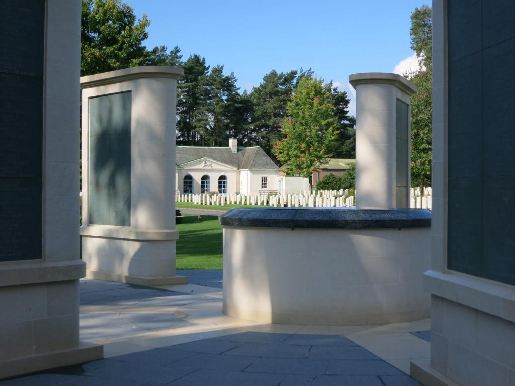 BROOKWOOD 1914-1918 MEMORIAL - CWGC