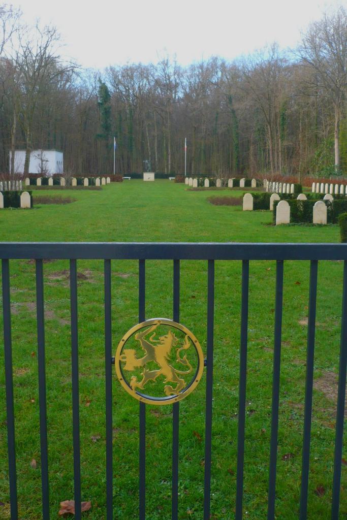 ORRY-LA-VILLE NETHERLANDS FIELD OF HONOUR - CWGC