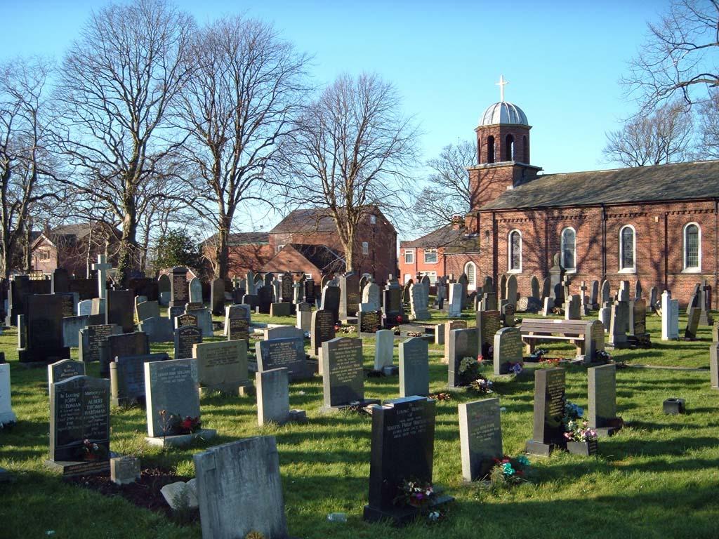 FRECKLETON (HOLY TRINITY) CHURCHYARD - CWGC