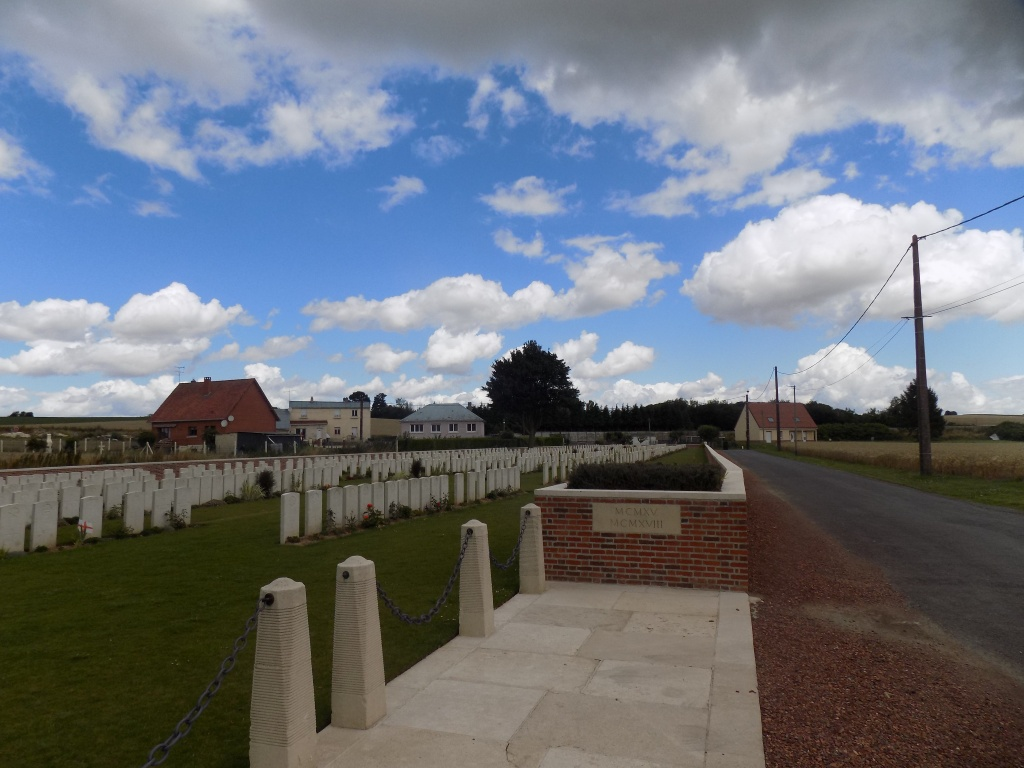 DARTMOOR CEMETERY, BECORDEL-BECOURT - CWGC