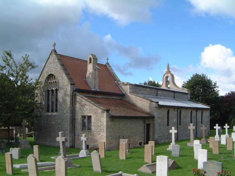 CRANWELL (ST. ANDREW) CHURCHYARD - CWGC
