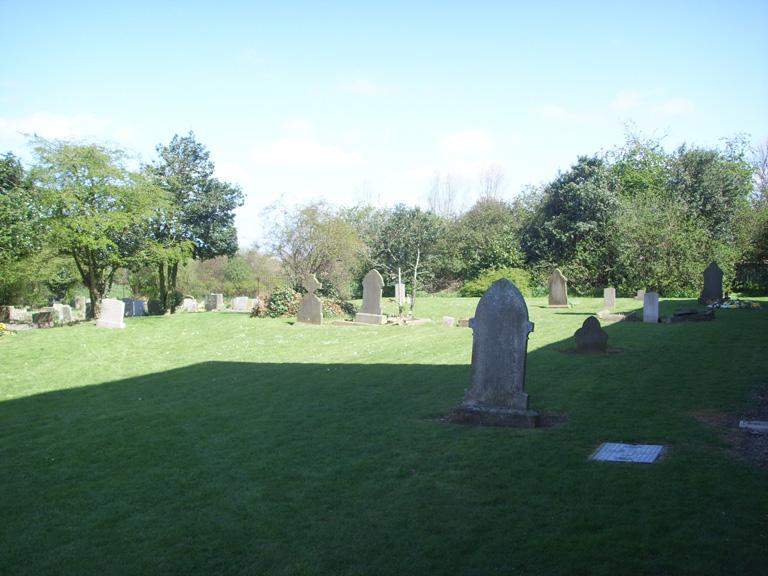 LITTLE COATES (ST. MICHAEL) CHURCHYARD - CWGC