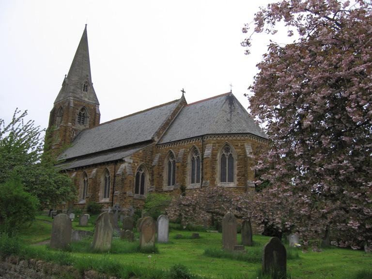 BINBROOK (ST. MARY) CHURCHYARD - CWGC