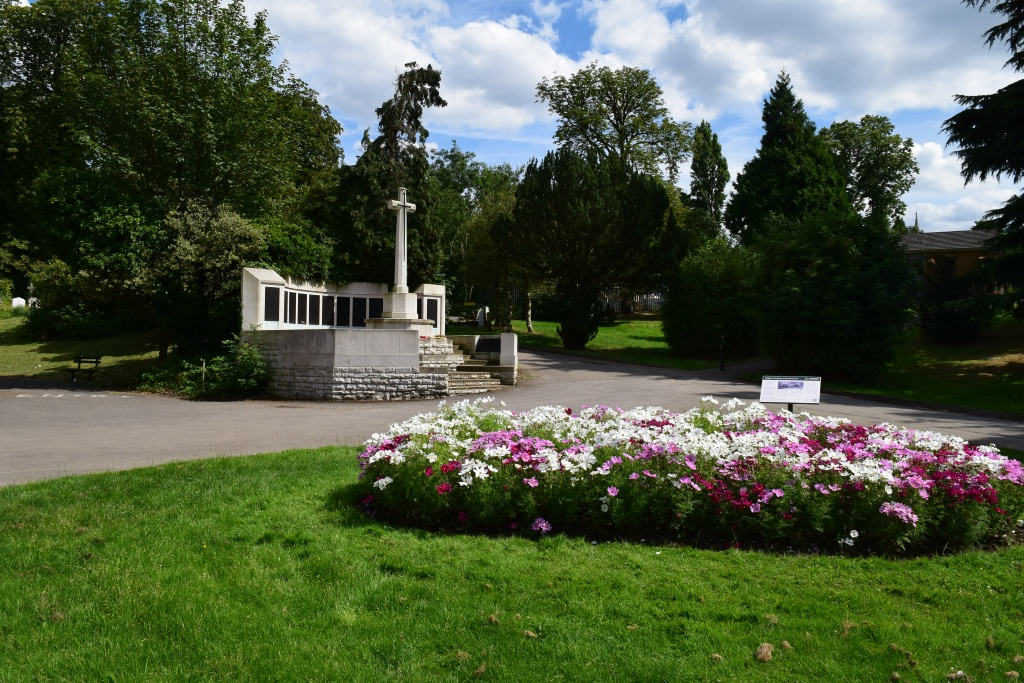 ISLINGTON CEMETERY AND CREMATORIUM - CWGC