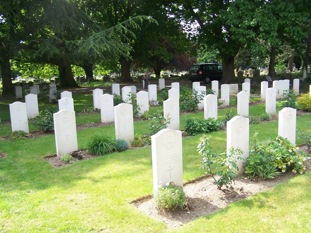 HILLINGDON AND UXBRIDGE CEMETERY - CWGC