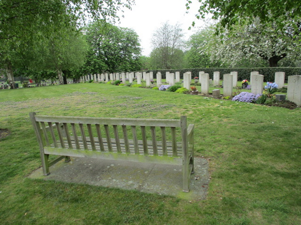 NORTHAMPTON (KINGSTHORPE) CEMETERY - CWGC