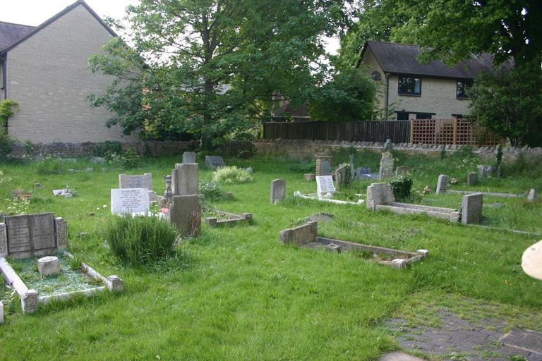 WHEATLEY (ST. MARY) CHURCHYARD - CWGC