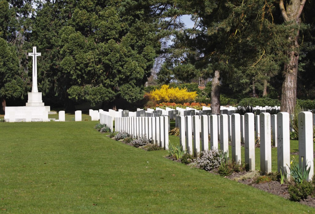 BROOKWOOD MILITARY CEMETERY - CWGC