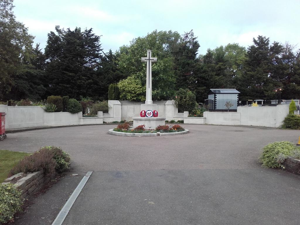 STREATHAM PARK CEMETERY - CWGC