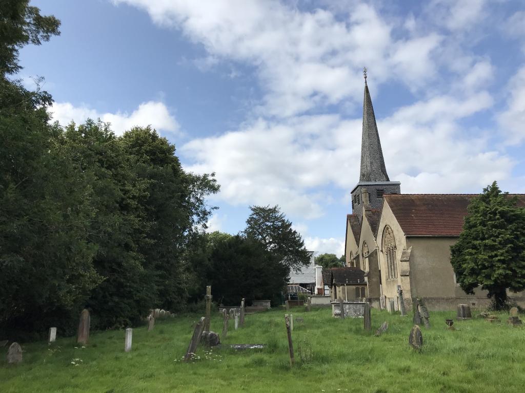 HORLEY (ST. BARTHOLOMEW) CHURCHYARD - CWGC