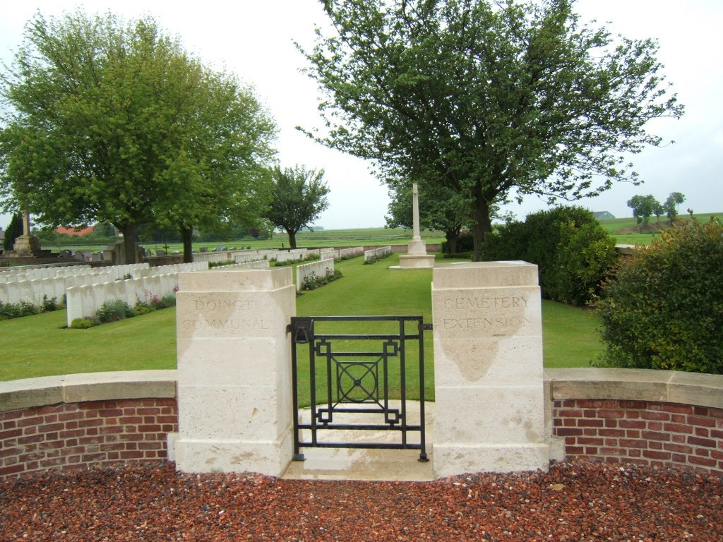 DOINGT COMMUNAL CEMETERY EXTENSION - CWGC