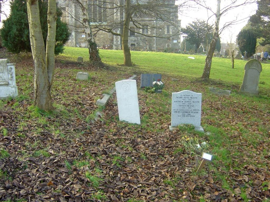 SWINDON (CHRIST CHURCH) BURIAL GROUND - CWGC