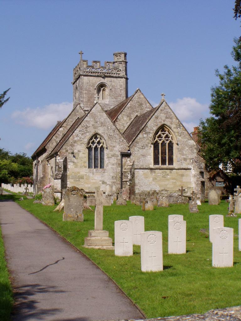 FOVANT (ST. GEORGE) CHURCHYARD - CWGC