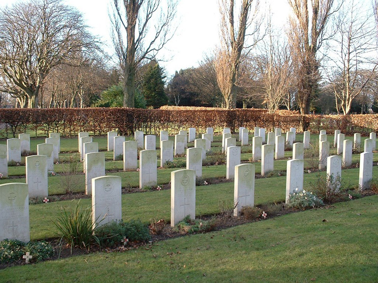 THORNABY-ON-TEES CEMETERY - CWGC