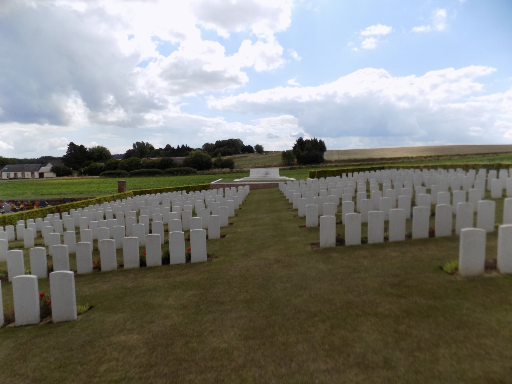 RIBEMONT COMMUNAL CEMETERY EXTENSION, SOMME - CWGC