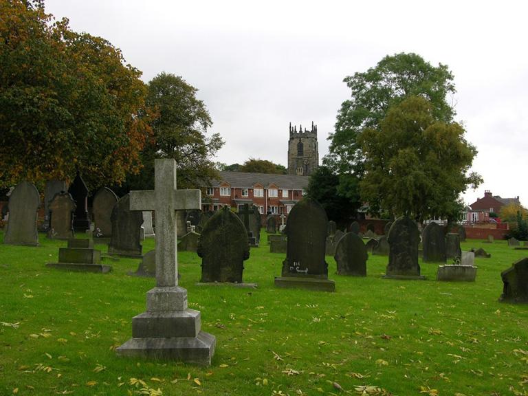 ROYSTON (ST. JOHN THE BAPTIST) DETACHED CHURCHYARD - CWGC