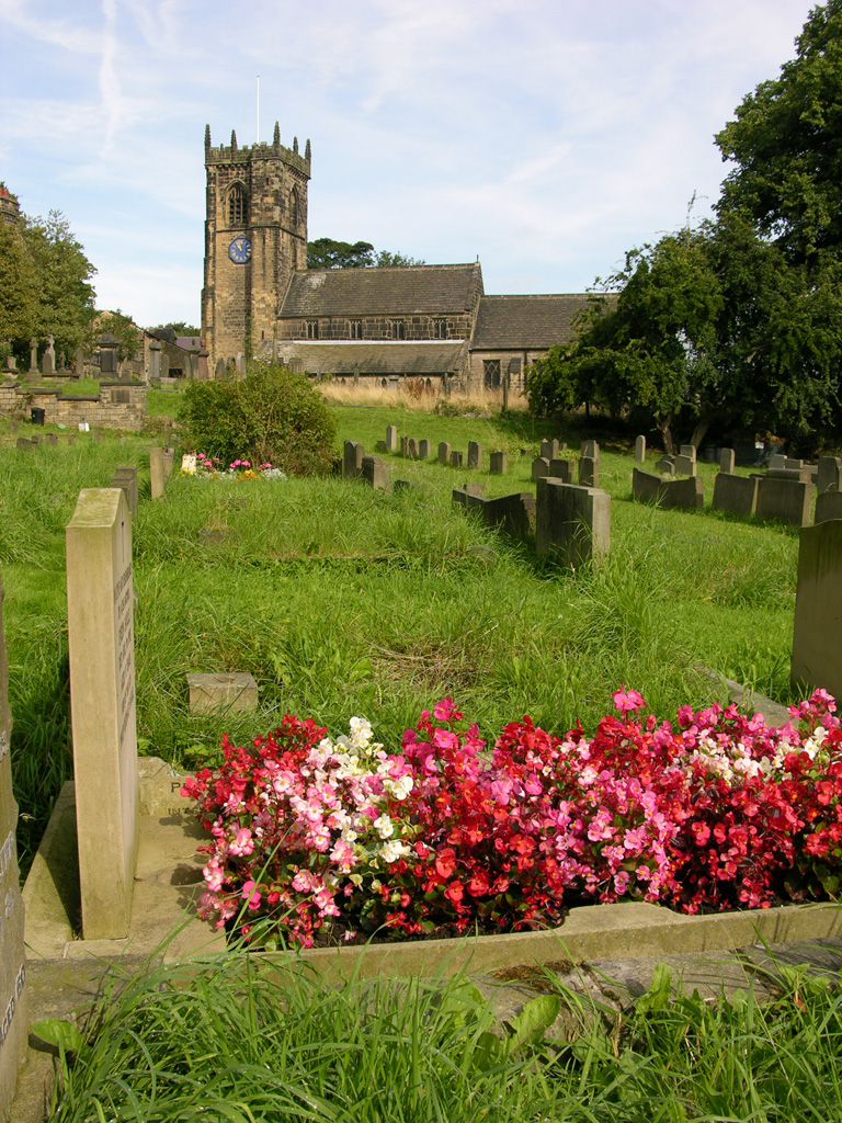 CALVERLEY (ST. WILFRID) CHURCHYARD - CWGC
