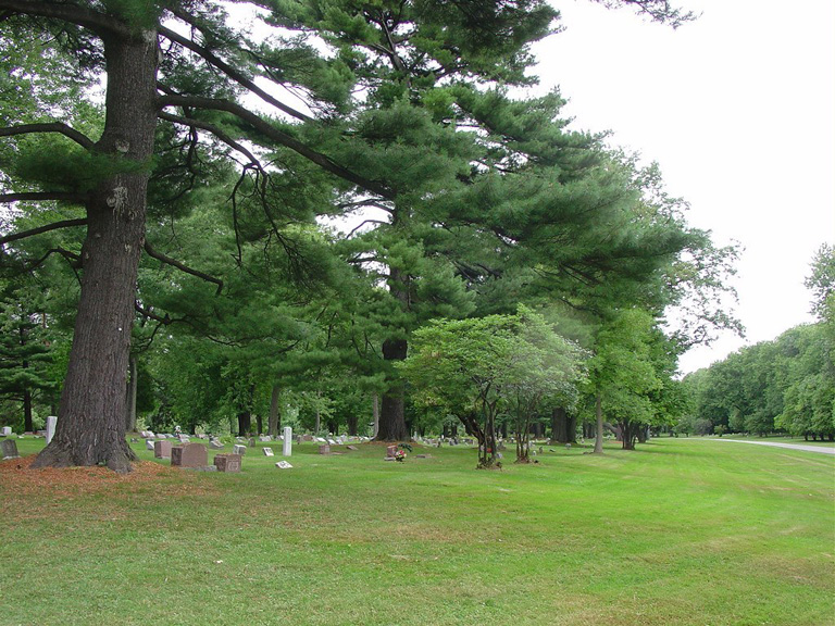 MONTREAL HAWTHORN-DALE CEMETERY - CWGC