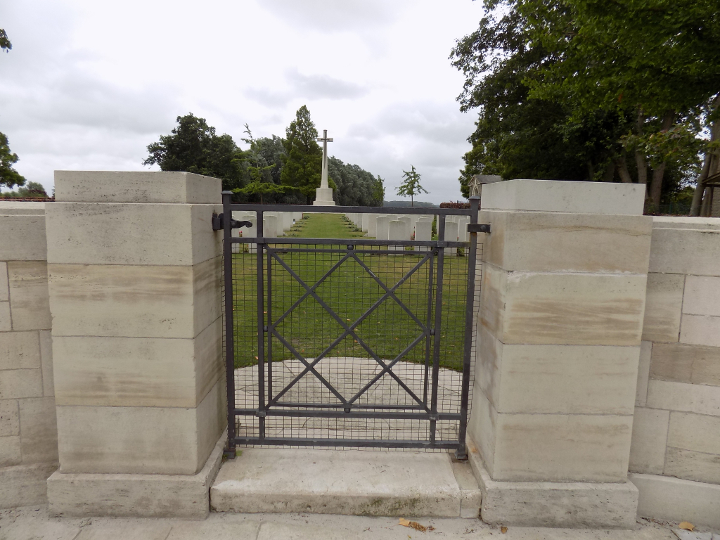 OXFORD ROAD CEMETERY - CWGC