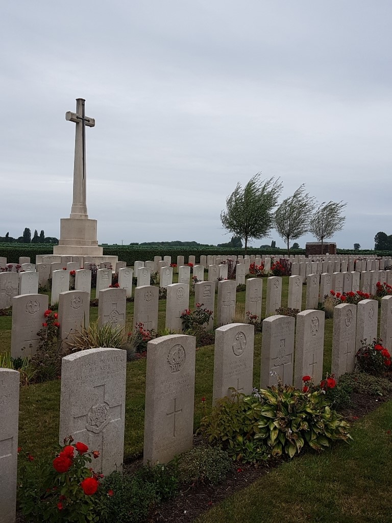 BARD COTTAGE CEMETERY - CWGC