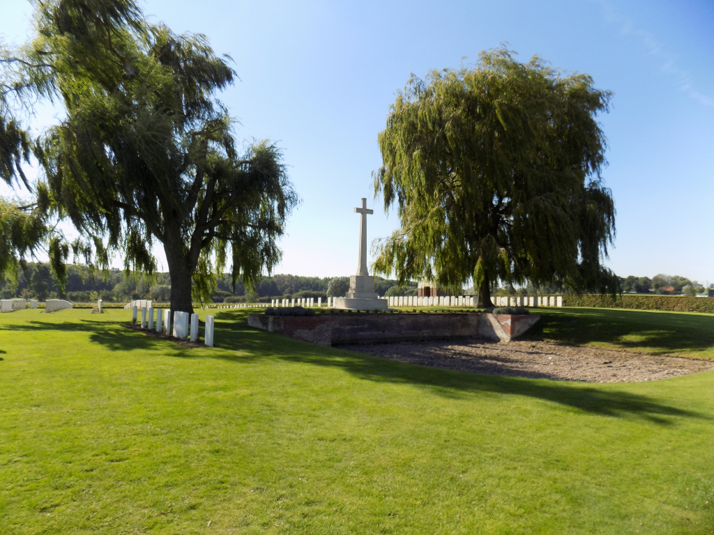 PROWSE POINT MILITARY CEMETERY - CWGC