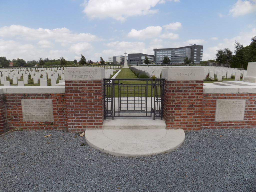WHITE HOUSE CEMETERY, ST. JEAN-LES-YPRES - CWGC