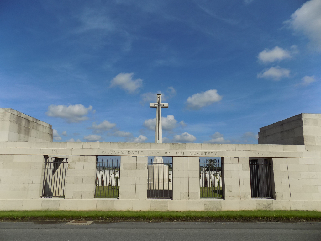 PASSCHENDAELE NEW BRITISH CEMETERY - CWGC