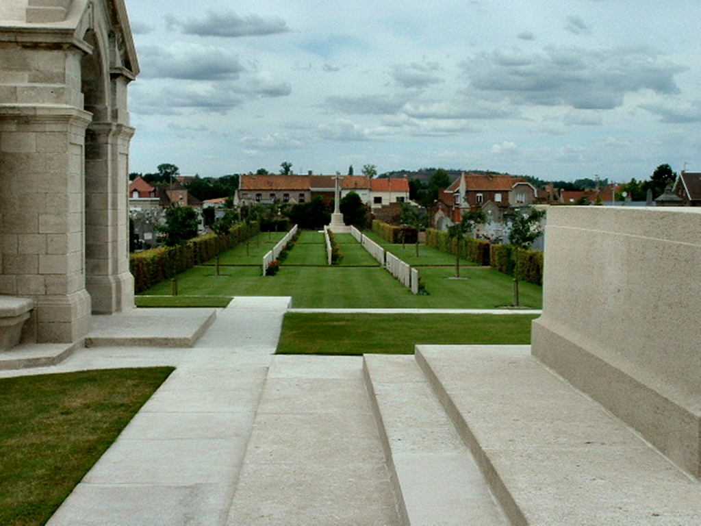 NOEUX-LES-MINES COMMUNAL CEMETERY EXTENSION - CWGC