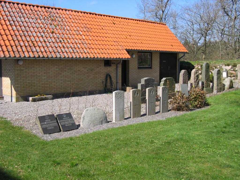 HVIDBJERG ON AA CHURCHYARD - CWGC