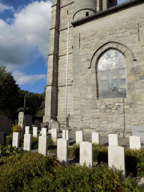 ST. LEGER CHURCHYARD - CWGC