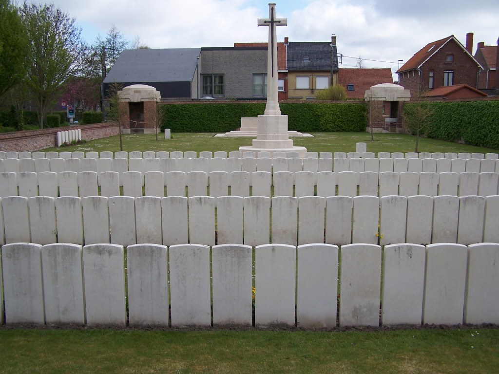 POPERINGHE OLD MILITARY CEMETERY - CWGC