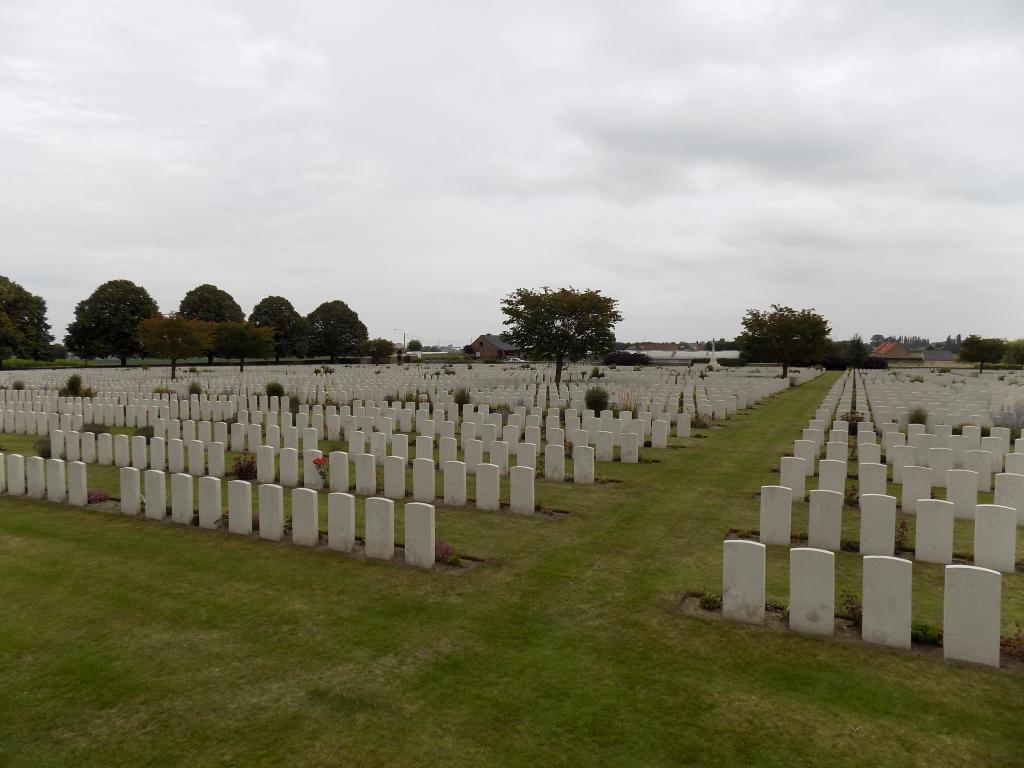 POELCAPELLE BRITISH CEMETERY - CWGC
