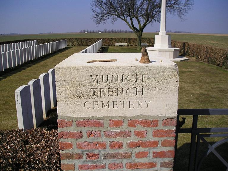 MUNICH TRENCH BRITISH CEMETERY, BEAUMONT-HAMEL - CWGC