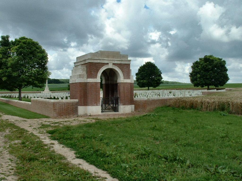 VILLERS STATION CEMETERY, VILLERS-AU-BOIS - CWGC