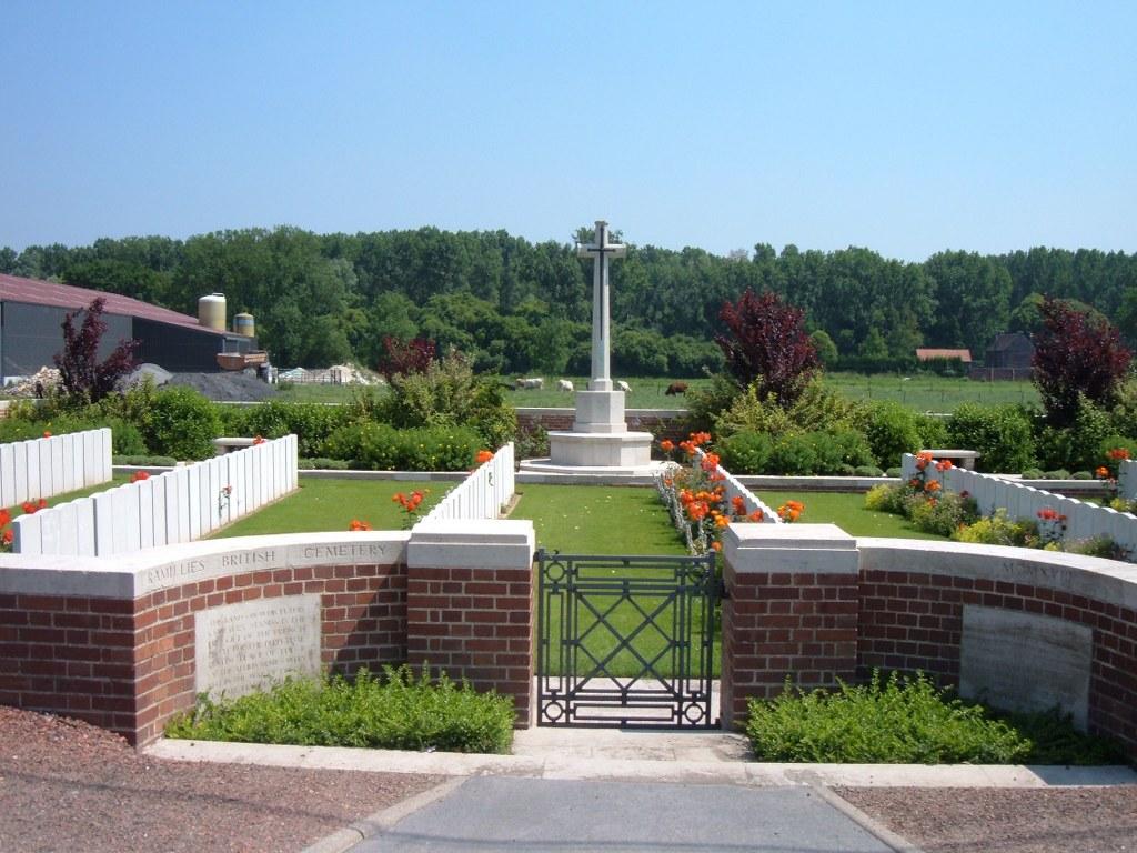 RAMILLIES BRITISH CEMETERY - CWGC