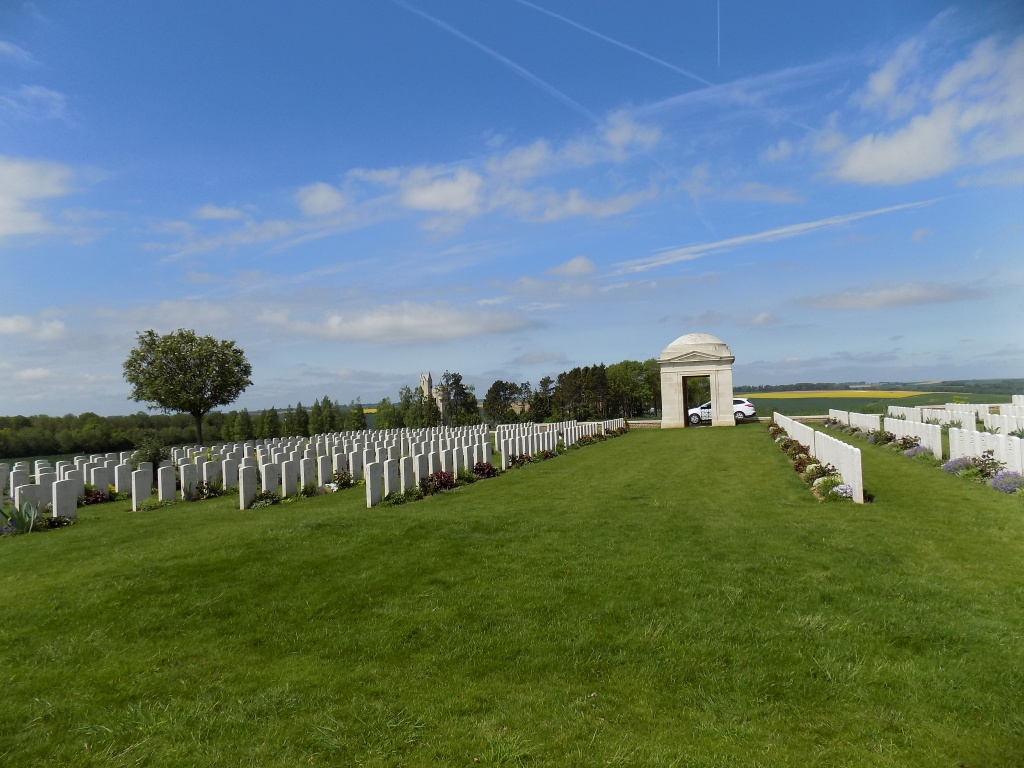 MILL ROAD CEMETERY, THIEPVAL - CWGC