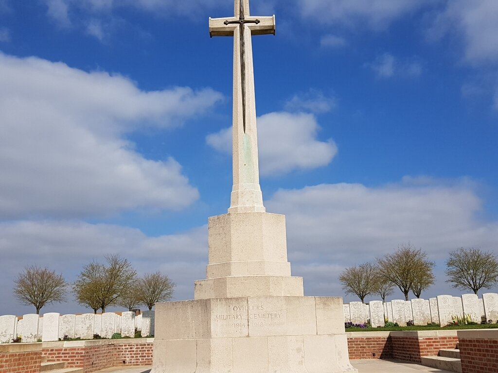 OVILLERS MILITARY CEMETERY - CWGC