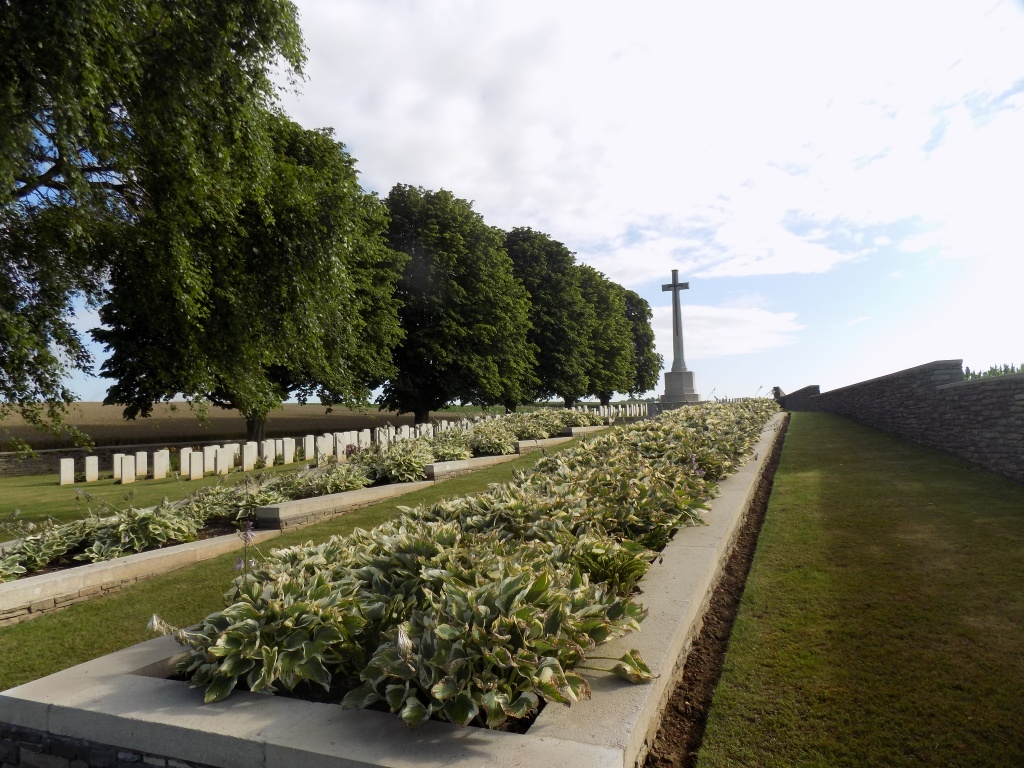 CITADEL NEW MILITARY CEMETERY, FRICOURT - CWGC