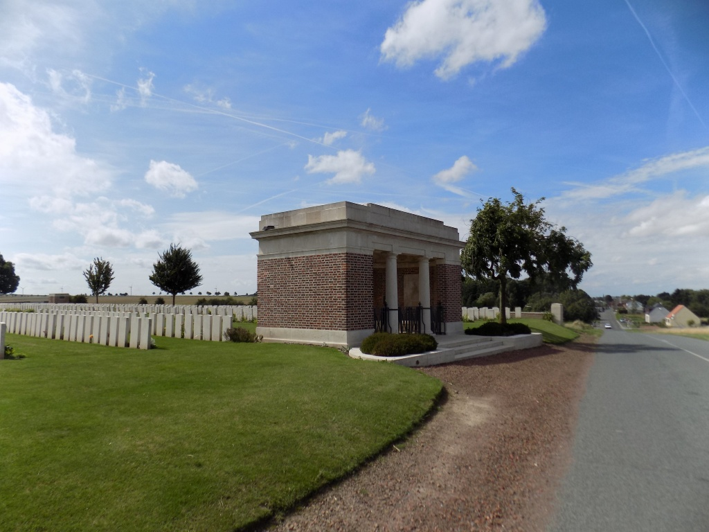 FINS NEW BRITISH CEMETERY, SOREL-LE-GRAND - CWGC