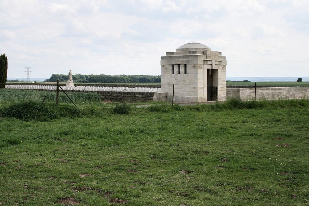 VIGNACOURT BRITISH CEMETERY - CWGC