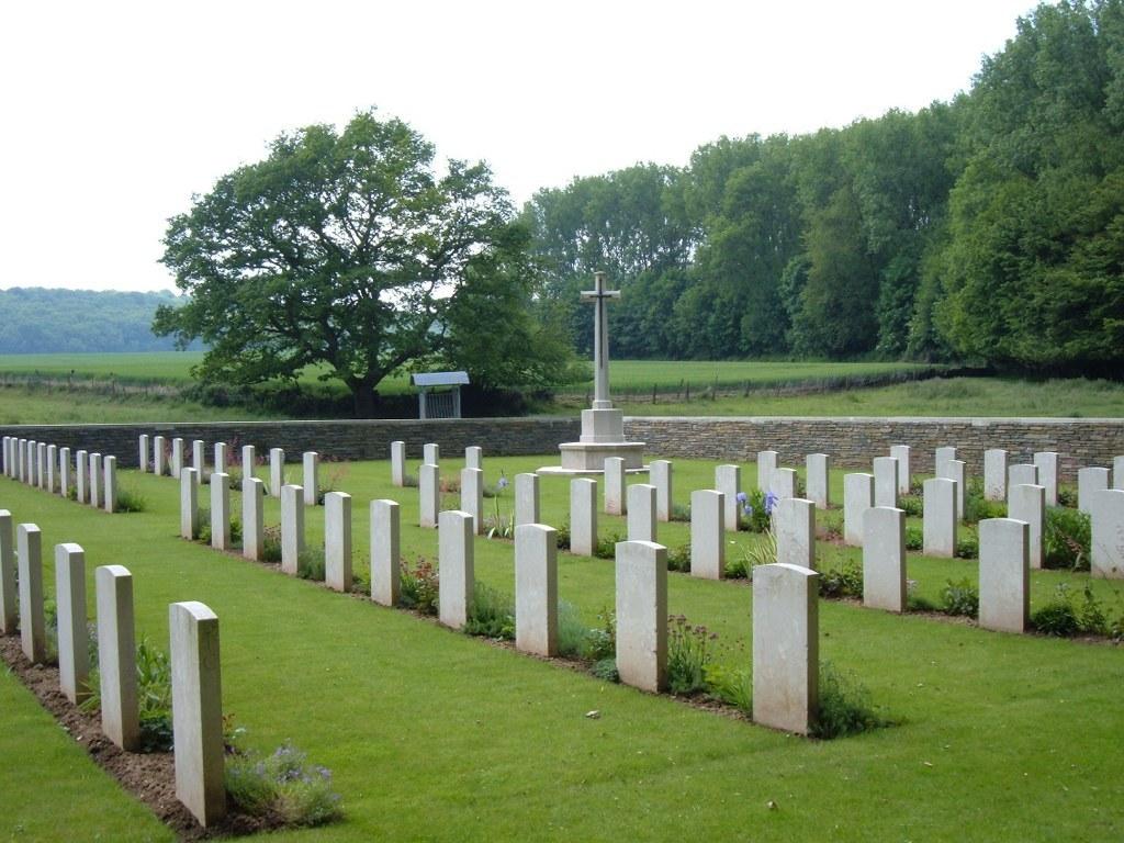 BOIS-DE-NOULETTE BRITISH CEMETERY, AIX-NOULETTE - CWGC