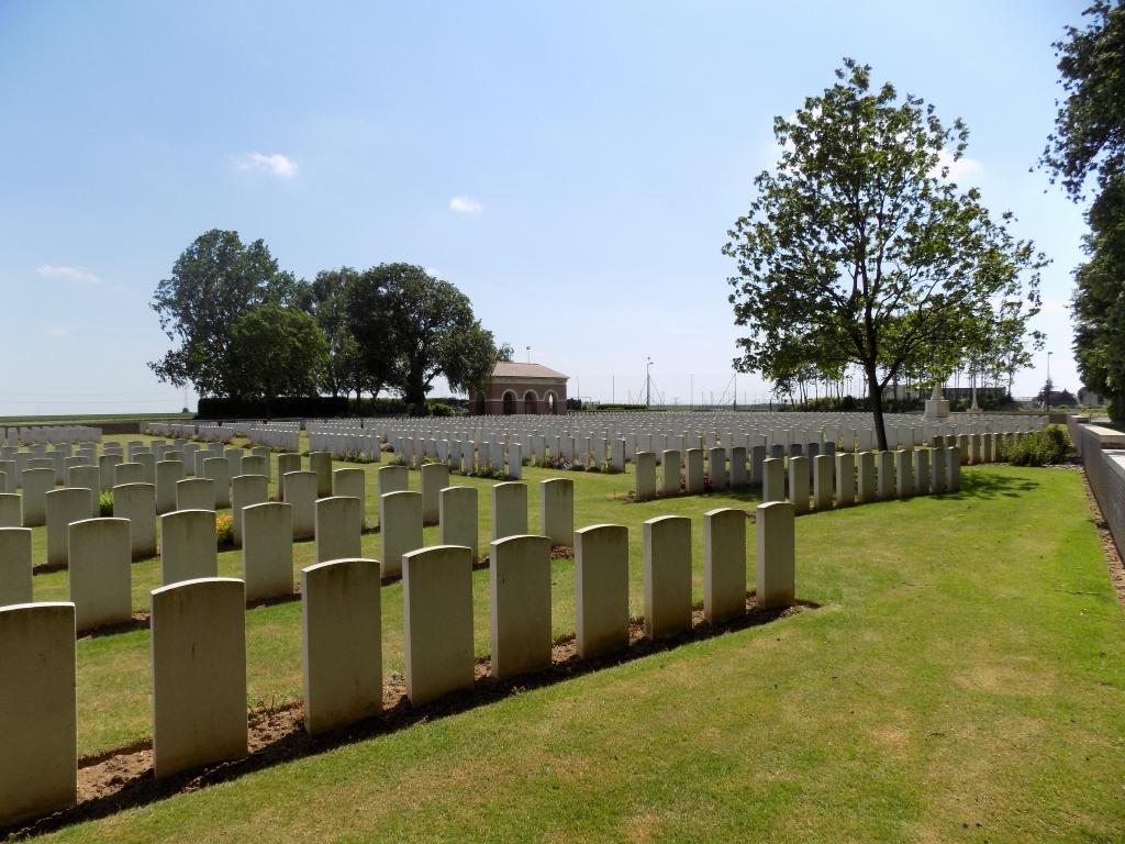 TILLOY BRITISH CEMETERY, TILLOY-LES-MOFFLAINES - CWGC