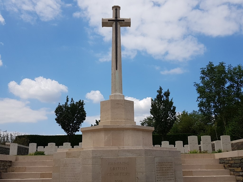 CANTAING BRITISH CEMETERY - CWGC