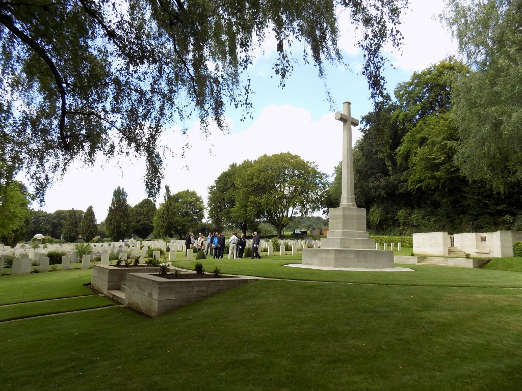 ECOIVRES MILITARY CEMETERY, MONT-ST. ELOI - CWGC