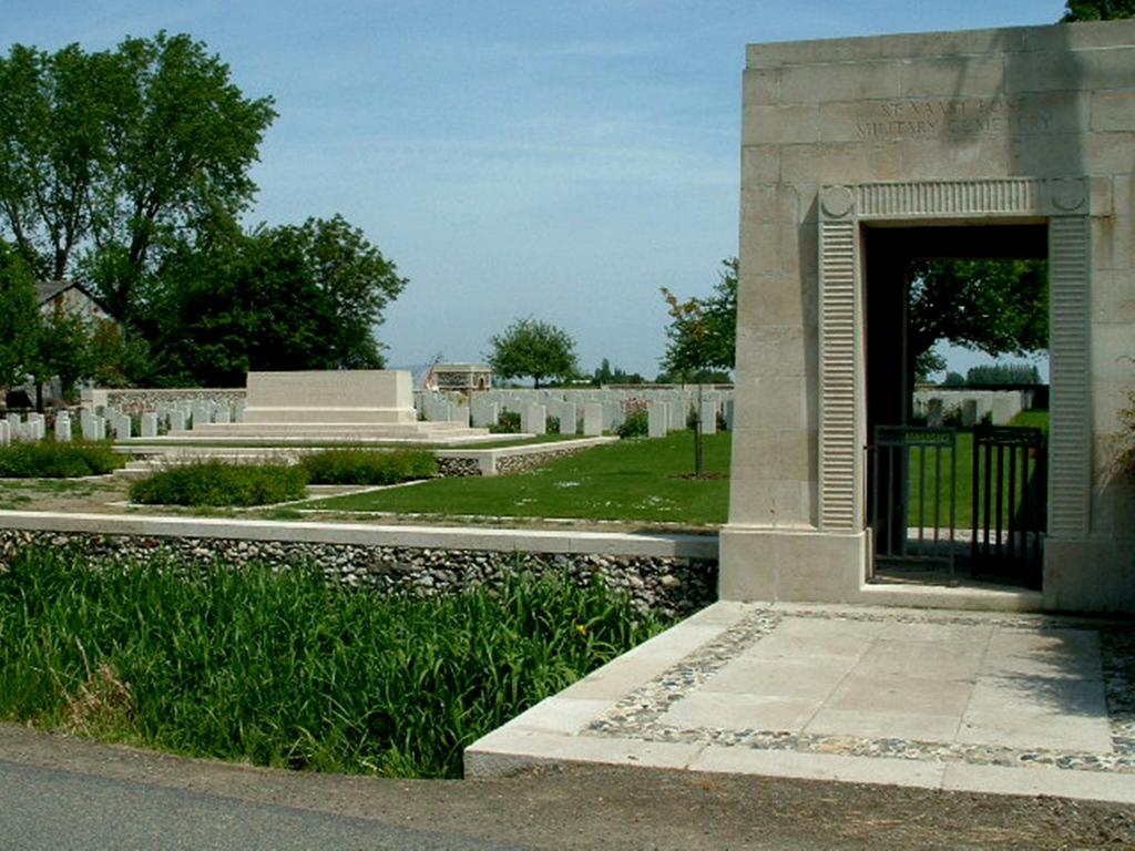 ST. VAAST POST MILITARY CEMETERY, RICHEBOURG-L'AVOUE - CWGC