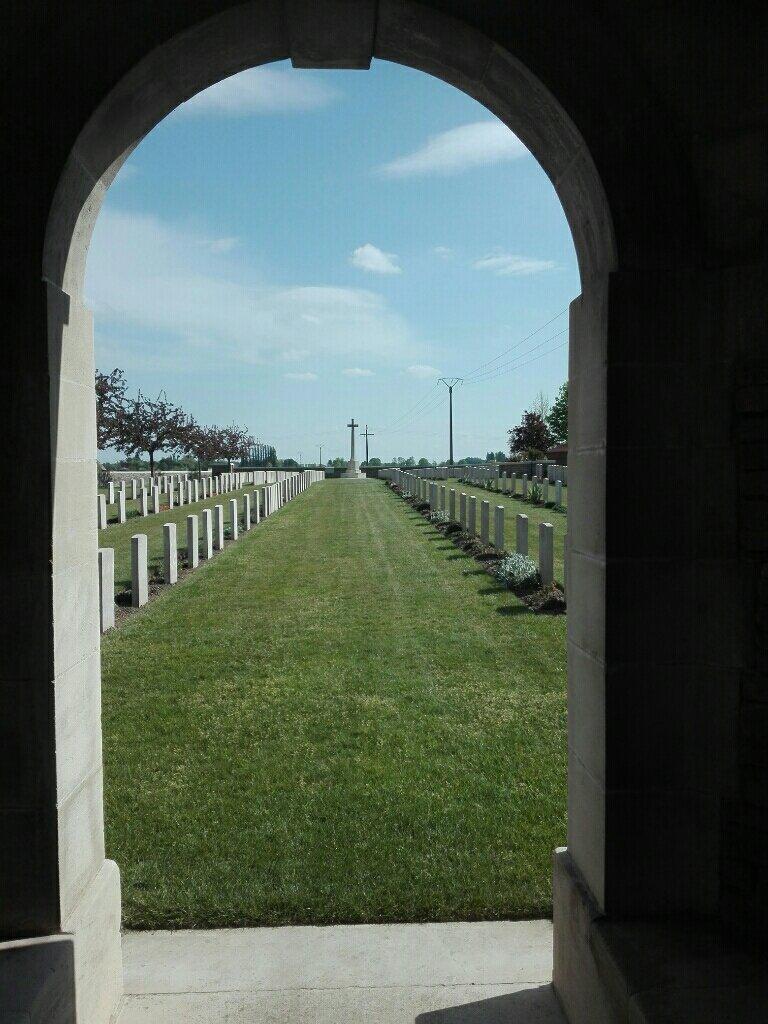 RUE-DES-BERCEAUX MILITARY CEMETERY, RICHEBOURG-L'AVOUE - CWGC
