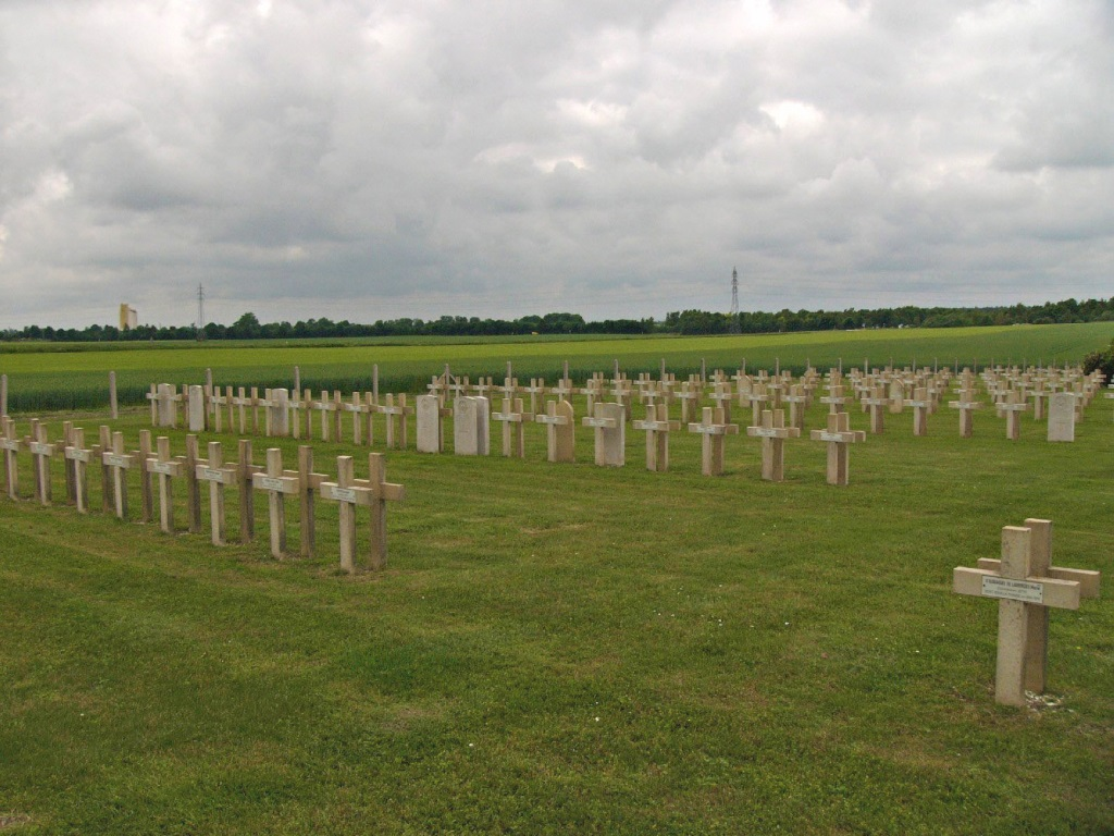 LA CHEPPE (MONT-FRENET) FRENCH NATIONAL CEMETERY - CWGC