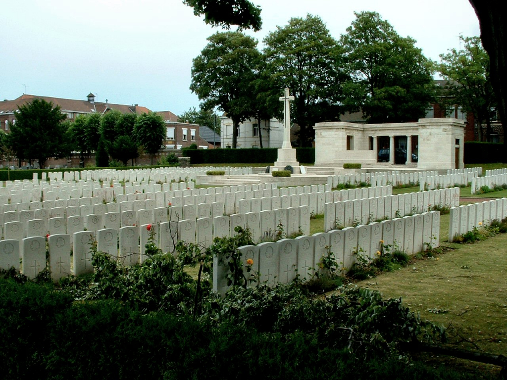 VALENCIENNES (ST. ROCH) COMMUNAL CEMETERY - CWGC
