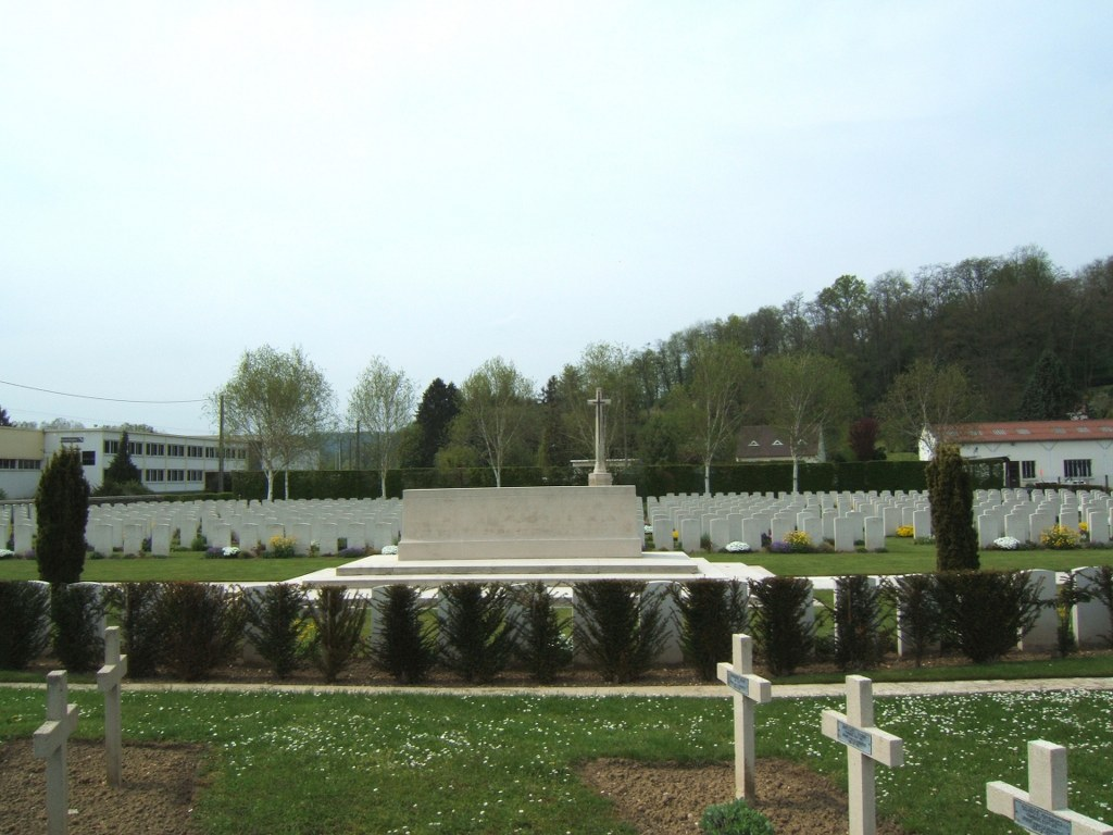 VAILLY BRITISH CEMETERY - CWGC